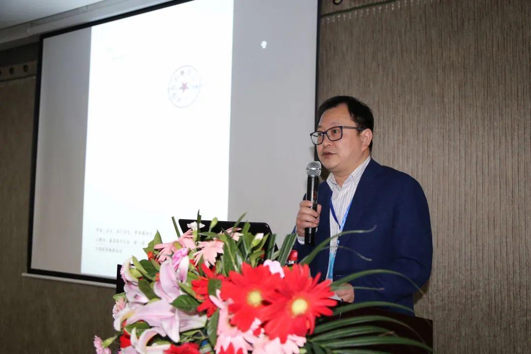 中国医药物资协会监事韦力宣读.jpg